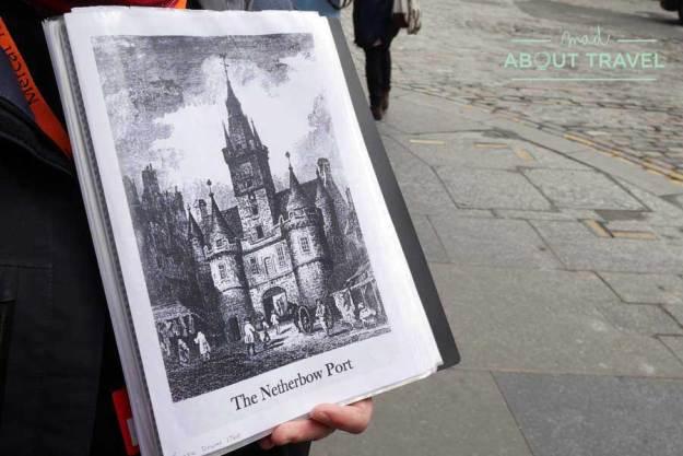 Tour Outlander - Ilustración de la desaparecida puerta Netherbow Port en Edimburgo
