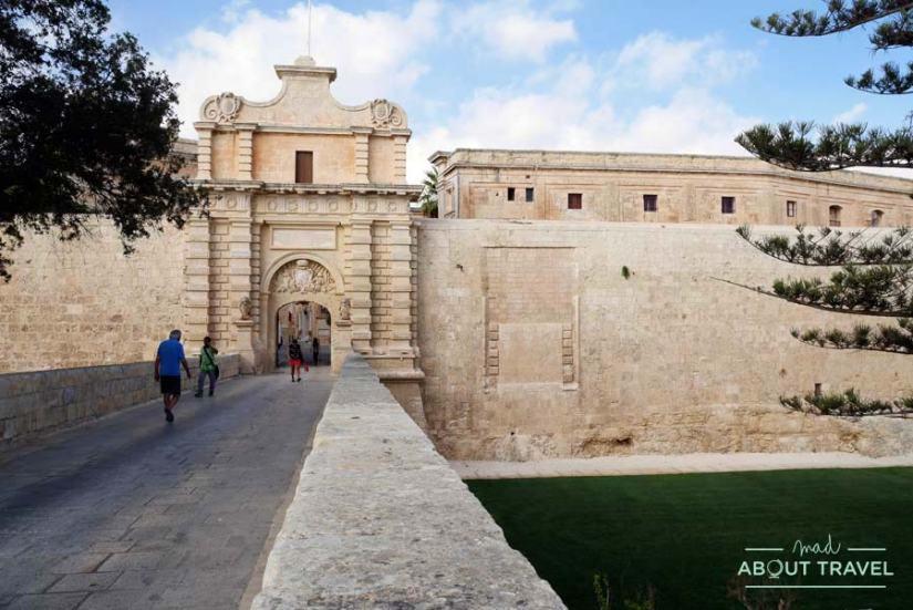 Puerta de entrada a Mdina en Malta