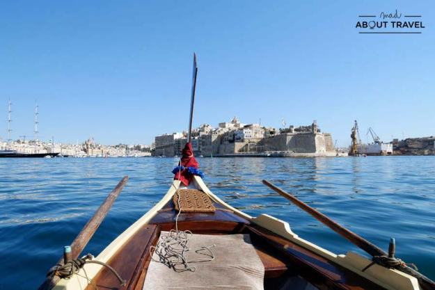 Cruzando a las tres ciudades en una dhjasa en Malta