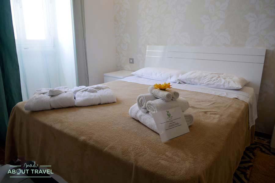 Nuestra habitación en los apartamentos Barrakka Suites de La Valletta Malta
