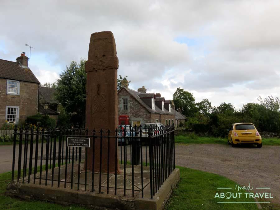 Piedra picta en Fowlis Wester, Escocia