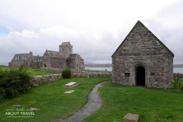 capilla de san oran en la isla de iona escocia