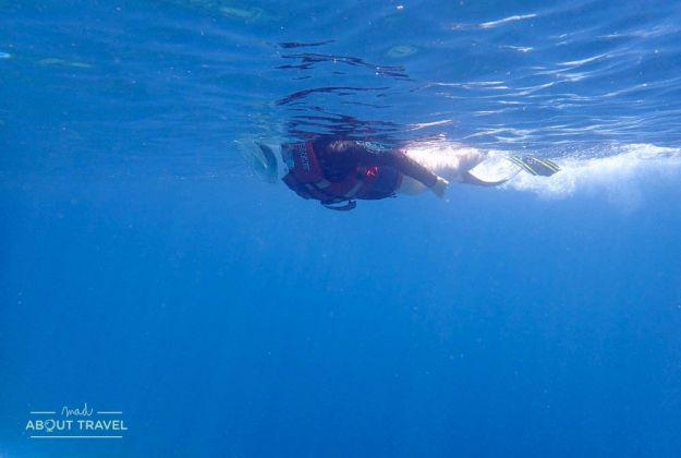 esnorquel en el banyan tree vabbinfaru de maldivas