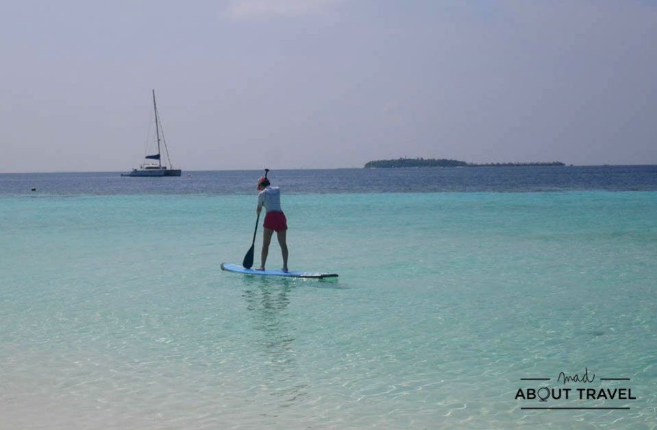 stand up paddle surf en el resort banyan tree vabbinfaru de maldivas