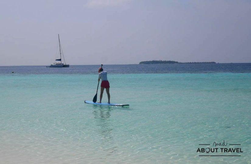 stand up paddle surf en el resort banyan tree vabbinfaru de maldivas