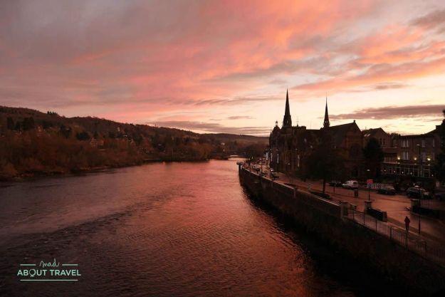 puesta de sol en perth escocia