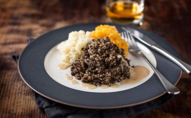 cena de burns - haggis - blog mad about travel