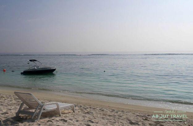que ver en hulhumale: playa frente al hotel Planktons Beach