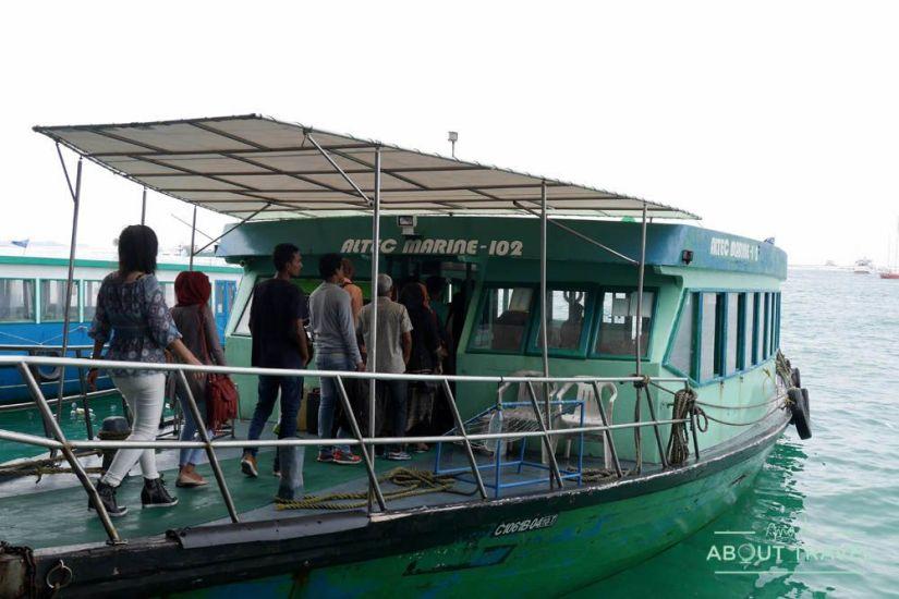 ferry de hulhumale a malé en maldivas