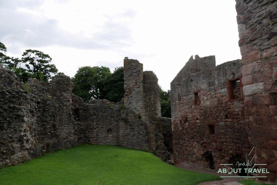 castillo de hailes en escocia