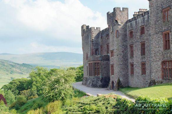 castillo de muncaster en el lake district, inglaterra