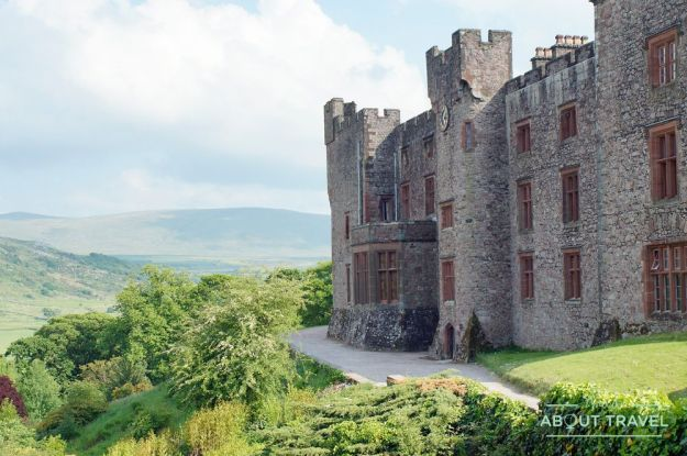 castillo de muncaster en el lake district, inglaterra