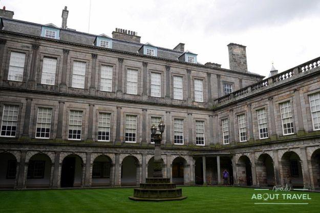 palacio de holyroodhouse en Edimburgo