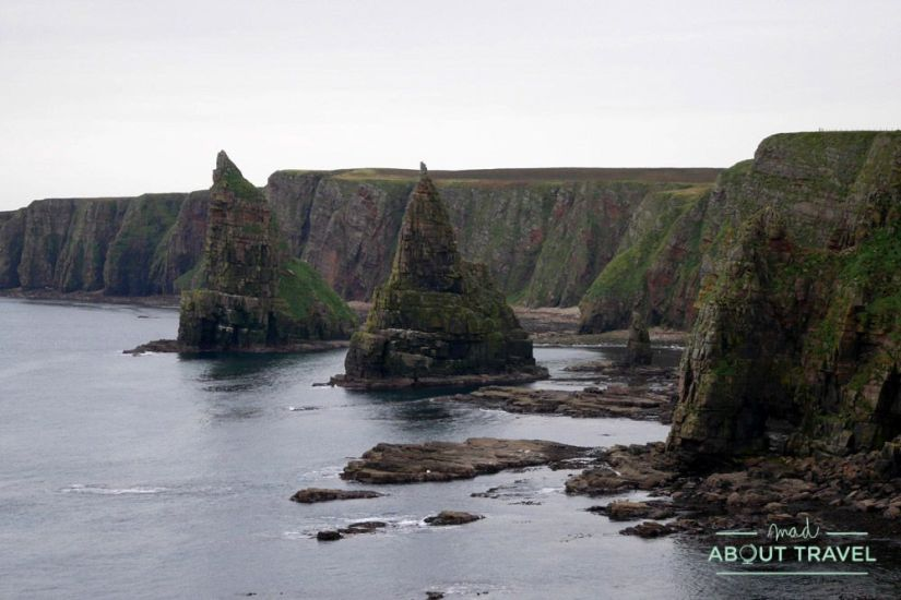 Dunscanby Stacks - Ruta North Coast 500 Escocia