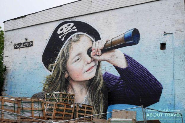 Ruta de murales de Glasgow: Pirate Girl
