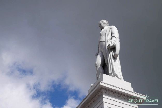 Estatua de Walter Scott en Selkirk, Borders de Escocia