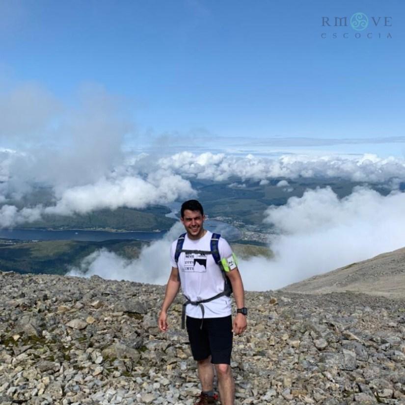 Rubén en lo alto de Ben Nevis en la realización del Three Pikes Challenge