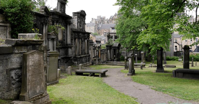 Ruta por los 20 cementerios de Edimburgo más bonitos