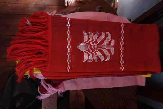 Handwoven scarf  with Travellers Palm design