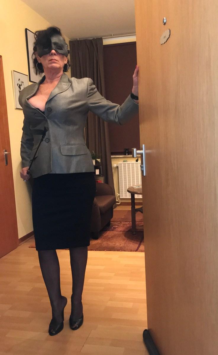 Chefin Nylon Domina Erziehung Fetisch Duisburg Ruhrgebiet NRW