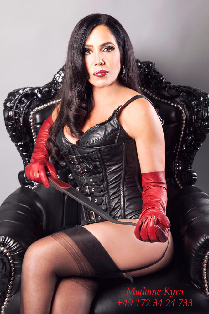 Madame Kyra - Strict German Mistress