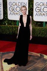 Kirsten Dunst: vestido de Valentino Haute Couture y joyas de Fred Leighton