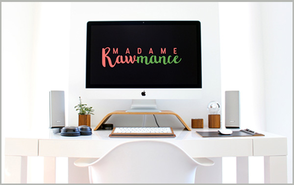 image-page-contact-madame-rawmance3