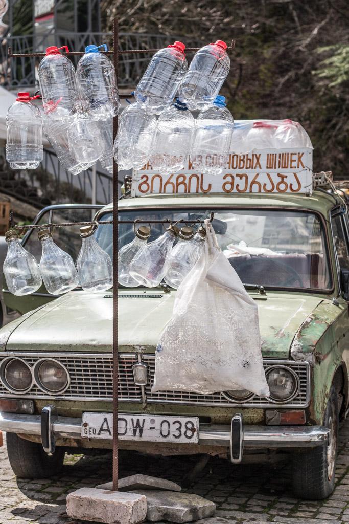 bouteilles d'eau parc thermal borjomi