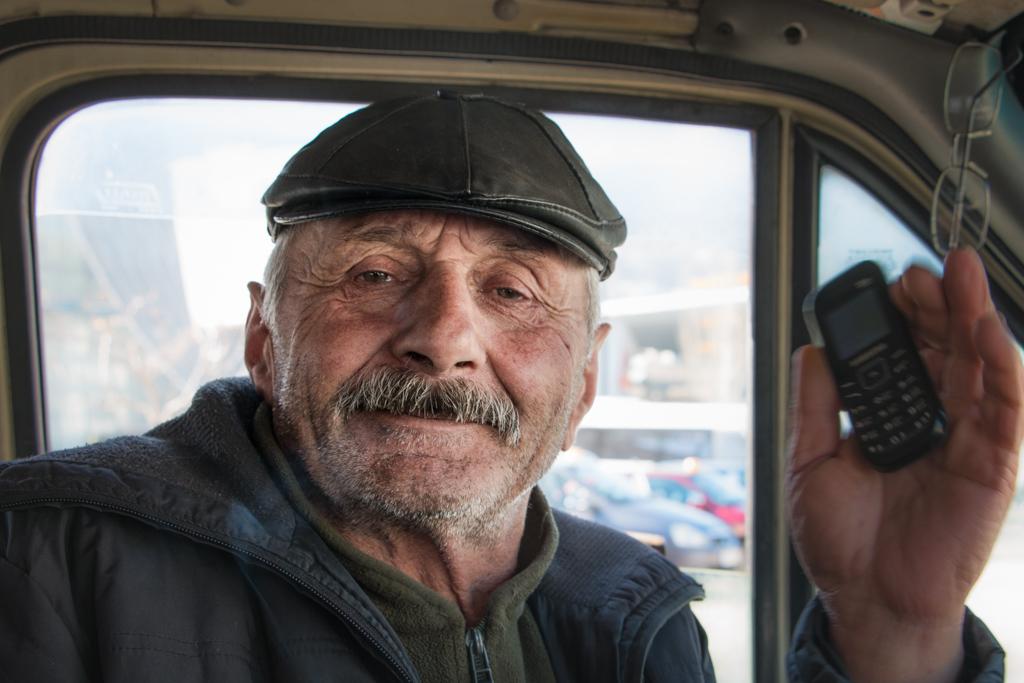 un portrait d'un homme géorgien, notre chauffeur entre Borjomi et AKHALTSIKHE