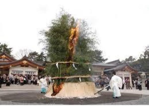 護国神社とんど祭り