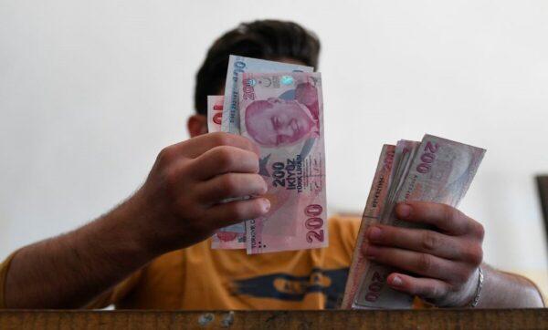 التركية أسعار السبت تعبيرية 1 600x362 - ارتفاع أسعار العملات الأجنبية مقابل الليرة السورية والتركية - Mada Post