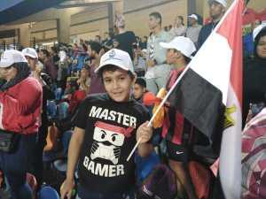 طلاب المدارس يساندون منتخب مصر الأولمبي أمام مالي وغانا