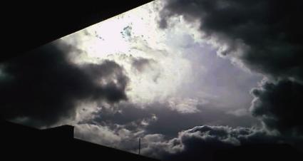 dreigende-wolken-partij.JPG
