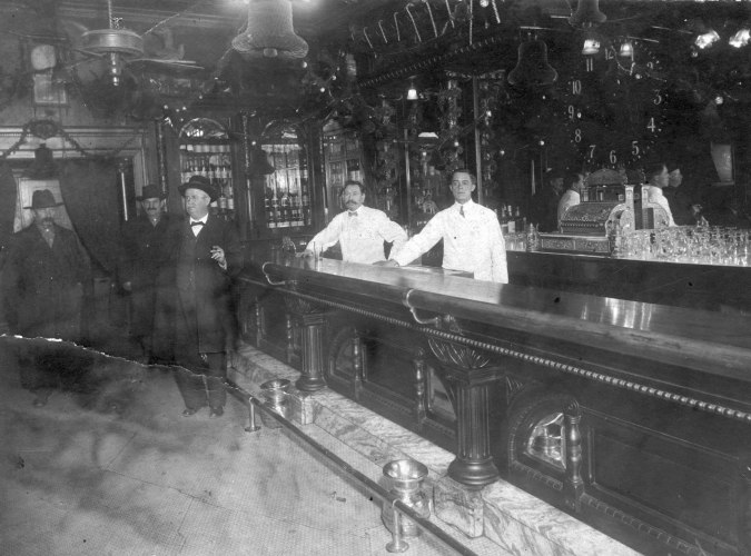 Leland Hotel Bar