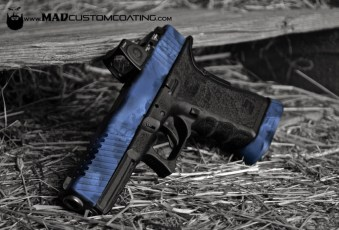 MAD Edge & MAD Brush camo combo on a Glock 17 slide & magwell
