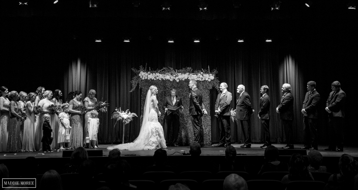 Guesthouse at Graceland wedding ceremony photography