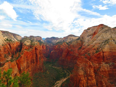 An Adventure Weekend Itinerary to Zion National Park