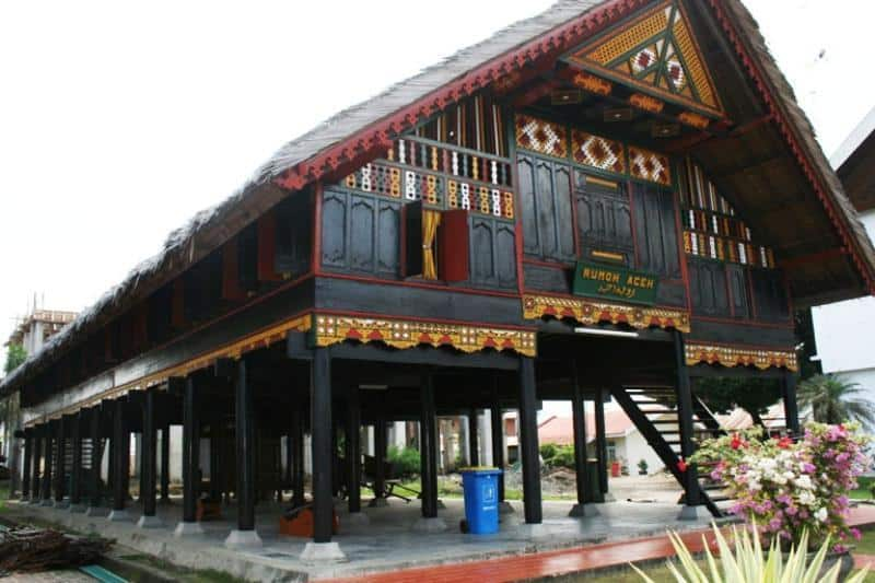 Rumah Adat Aceh Kings World