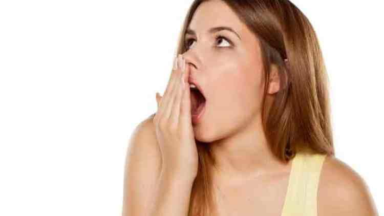 Tips Mengusir Bau Mulut Setelah Mengkonsumsi Bawang Putih