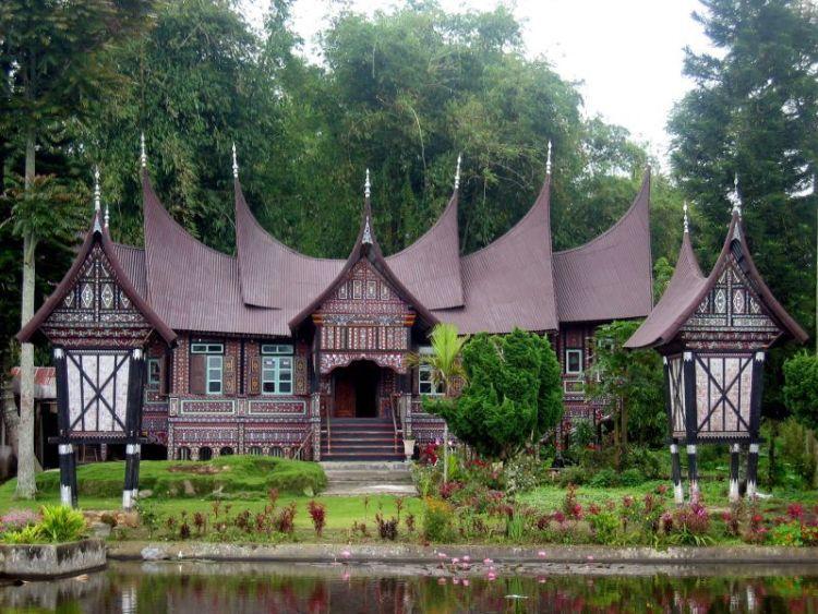 Keunikan-keunikan Rumah Adat Minangkabau