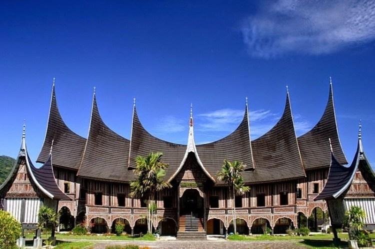 Nilai Filosofis Rumah Adat Minangkabau