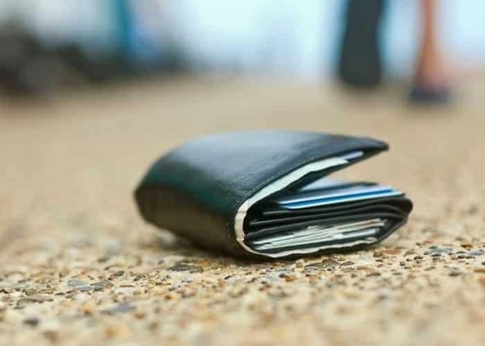 Kisah Lucu Menemukan Dompet