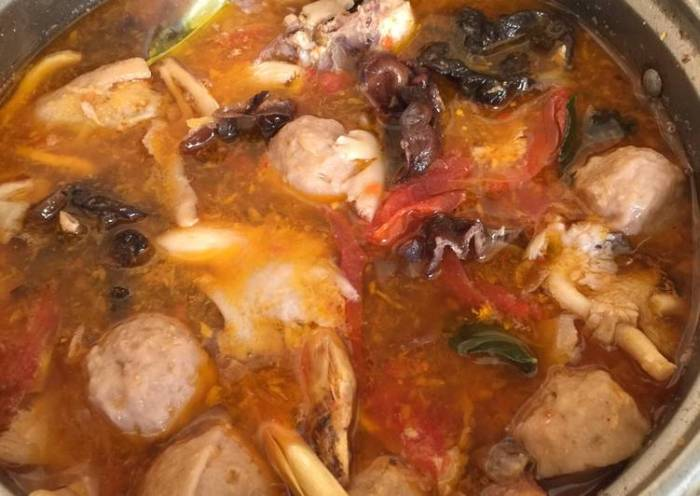 Tom Yam Ayam Jamur