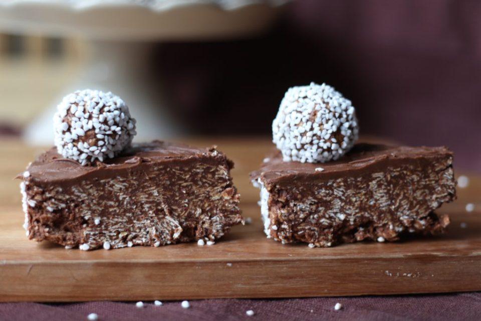 to kakestykker av sjokoladekuler deluxe med Nutella.