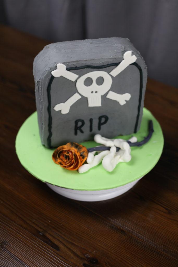Gravstøtte kake til halloween