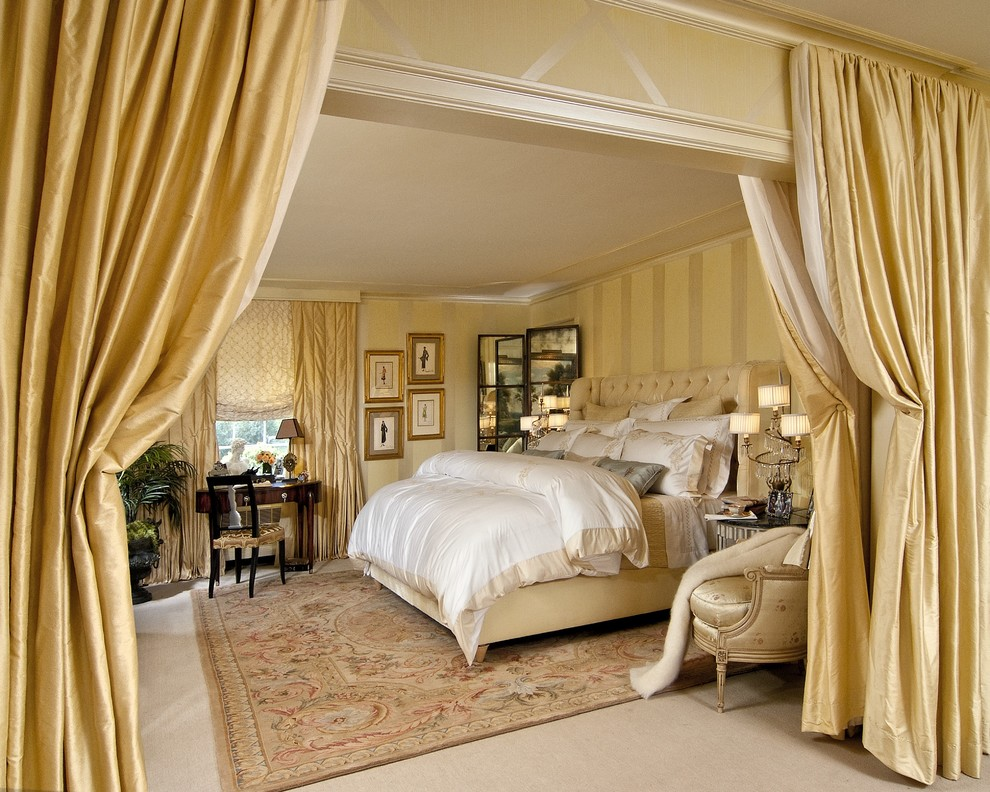 Luxurious Master Bedroom  Picture Rail