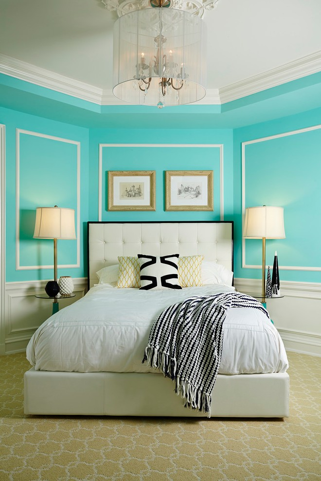 Pretty Tiffany Blue Bedroom Decor With Cozy Patterned Wallpaper