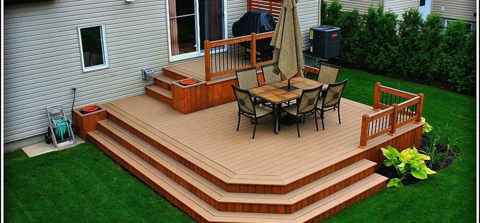 Montreal screened in deck ideas Deck Traditional with brown outdoor wall lanterns stairs
