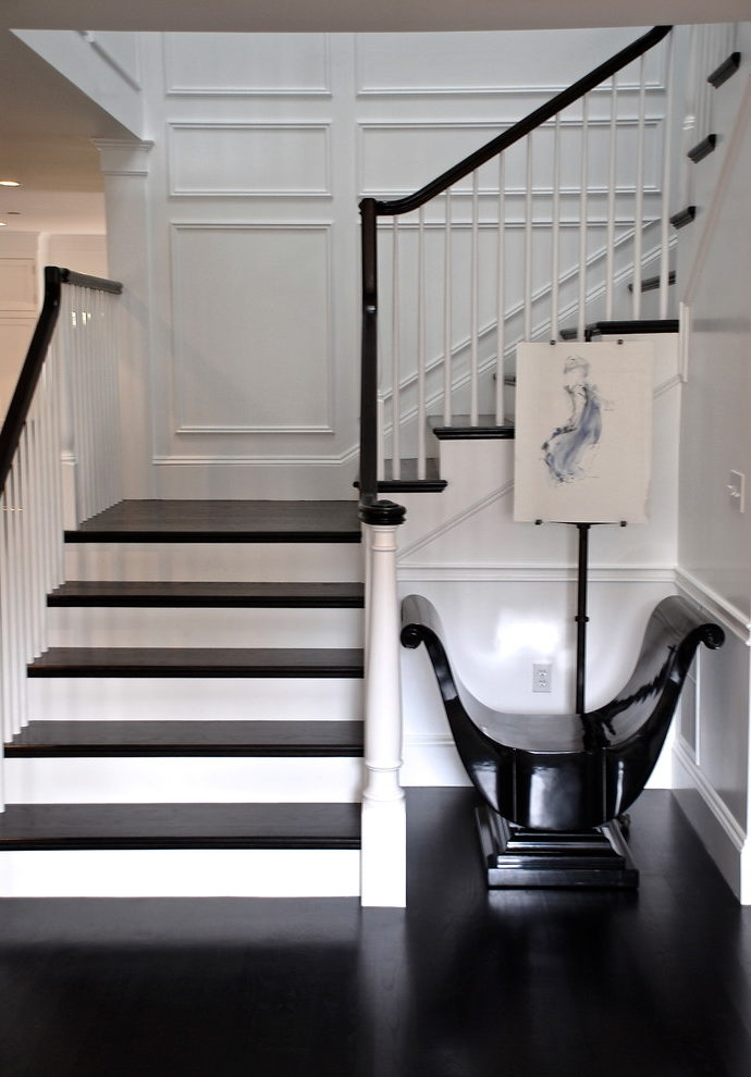 Brilliant San Francisco Black Stair Spindles Traditional Staircase | Black Banister White Spindles | Black Railing | Wainscoting | White Painted Riser | Benjamin Moore Stair Railing | Baluster Curved Stylish Overview Stair