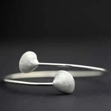 Karen Thomas - Shell crossover bangle